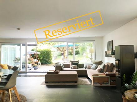 RESERVIERT! - 2-Fam.-Architektenhaus mit Traumgarten
