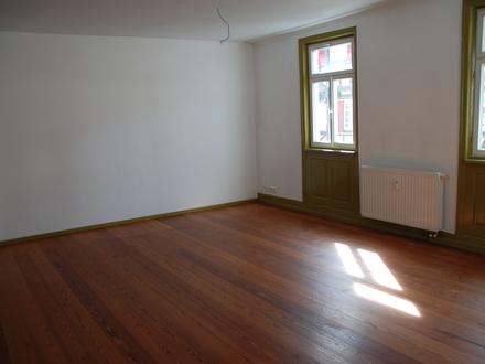 Kapitalanleger aufgepasst!!! Schöne renovierte 3 Zimmer-Altbau-Wohnung, ca. 86 Quatratmeter, Mitten in Herrenberg ab sofort…