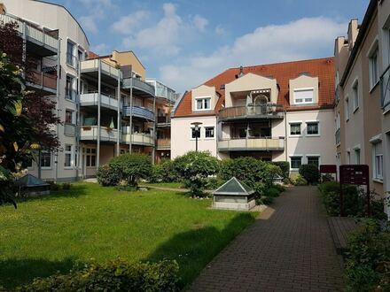 KAPITALANLAGE - 2 Zimmerwohnung mit Balkon, Einbauküche, Wannenbad und Dusche