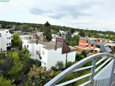 Wohnen im Penthouse über den Dächern von Eberstadt mit Garage