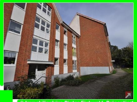 Wohnfreudliche, helle 2 Zimmer Wohnung in Putbus mit EBK und Balkon ab sofort zu mieten