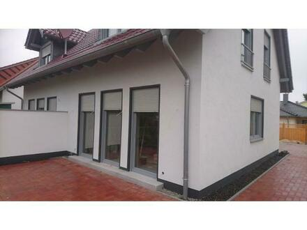 Moderne Doppelhaushälfte