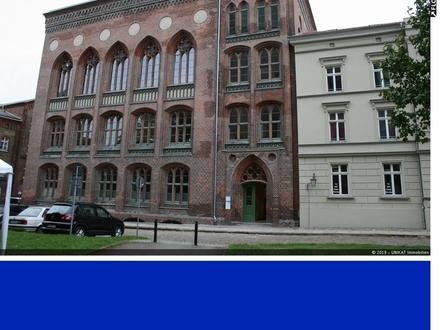 Aula zur Nutzung als Tanzschule, Atelier,Theater,Bibliothek,Galerie