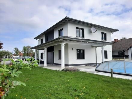 St. Florian/Schärding: Top modernes und sonniges Landhaus mit Garten DG + Pool
