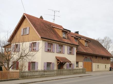 Mit Blick in die freie Natur! Charmantes Bauernhaus mit Einliegerwohnungen