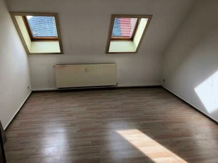 2 Raum DG-Wohnung 55 qm sofort frei
