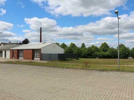 8.000m² Grundstücksfläche mit Gewerbeobjekten