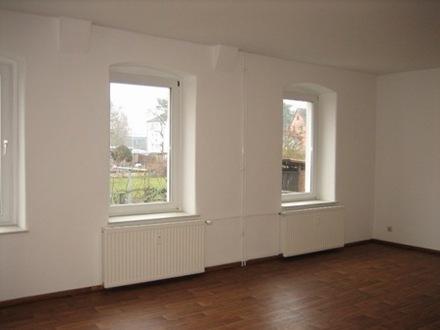 Helle und modernisierte 3-Raumwohnung (1. OG) in ruhiger Stadtlage mit anteiliger Gartennutzung in 14712 Rathenow, Goet…