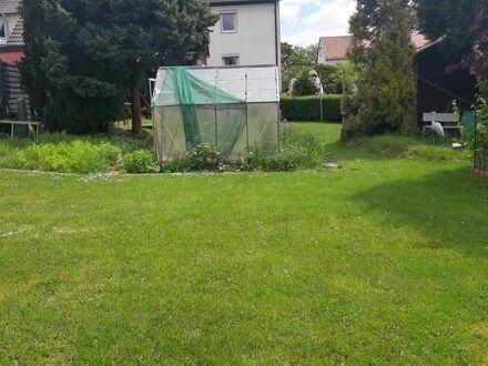 Zweifamilien-/ Doppelhaushälfte mit viel Potential und Baugrundstück in Fuldatal Rothwesten