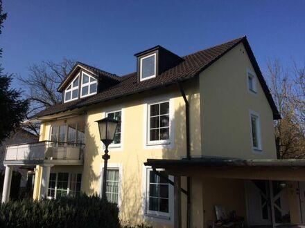 Wunderschöne neu renovierte Wohnung mit großem Balkon in sehr ruhiger Lage in 82031 Grünwald