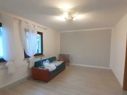 Helle, freundliche 3-Zimmer-Wohnung mit EBK am westlichen Ortsrand von Bubenreuth