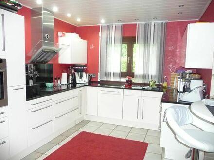 Top-Einfamilienhaus mit Einliegerwohnung in ganz ruhiger Lage