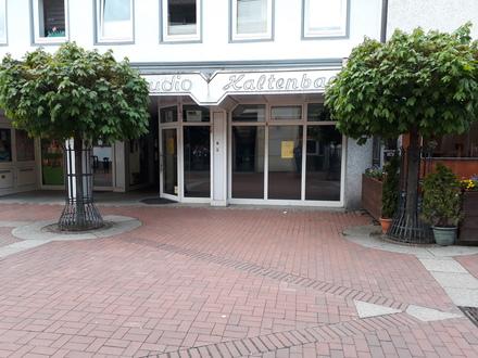 In der Fußgängerzone Sarstedt, Ideal als Fotoladen oder Büro