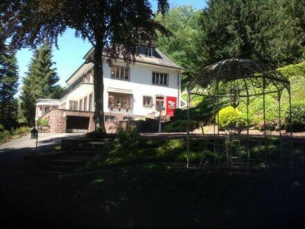 NEUVORSTELLUNG: traumhafte Villa, eine der schönsten Immobilien von Iserlohn - stilvolle Top Immobilie auf Parkgrundstück…