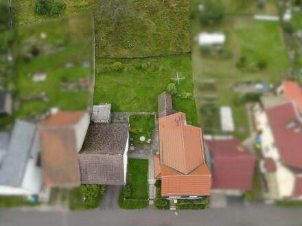 Freistehendes Einfamilienhaus mit Garage und viel Grünfläche!