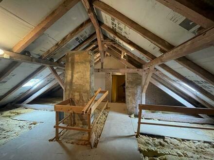 4 Dachgeschossrohlinge mit vielfältigem Entwicklungspotential
