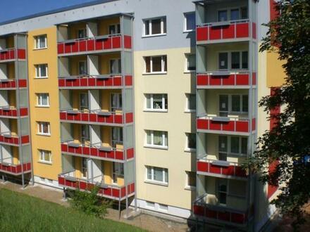 Stop! Hübsche 2-Raumwohnung mit Balkon in saniertem Wohnhaus