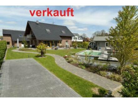 Neubau-Einfamilienhaus || sehr hochwertige Ausstattung || Doppelgarage || 3 Stellplätze || Pool