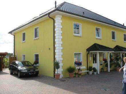 Exclusive Doppelhaushälfte von privat zu vermieten.