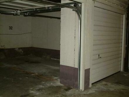 abgeschlossene Doppelgaragenbox in Milbertshofen zu vemieten