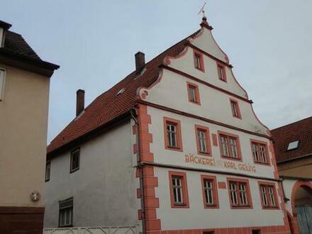 Einmalige Gelegenheit! in Elfershausen, Traumimmobilie im Stadtkern mit großem Kellergewölbe