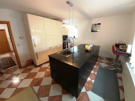 Elegantes Eigenheim in Toplage - knapp 100 m2 und viele Extras!!!