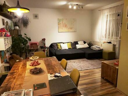 Ideal für die Jungfamilie - 3 Zimmer, Balkon und Tiefgarage