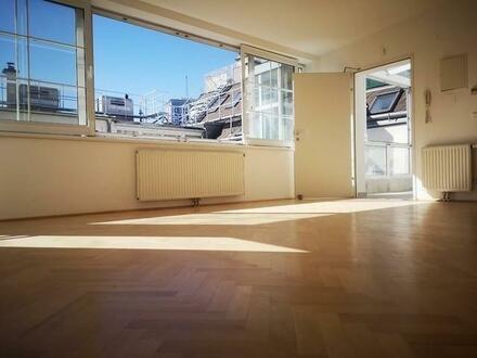 Helle DG Wohnung mit Terrasse in Traumlage!
