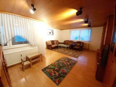 Platz für die ganze Familie - 4 Zimmer, Loggia, Garage