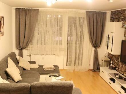 Großzügiger Wohntraum mit einladender Loggia