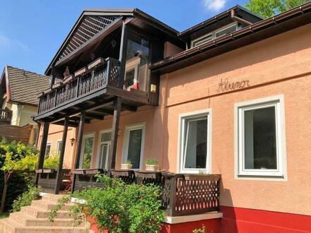 Rarität in Greifenstein : Historische Villa im Grünen