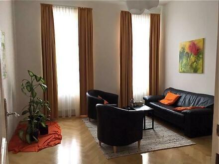 Stilvoller Altbau-Wohntraum mit hervorragender Anbindung!