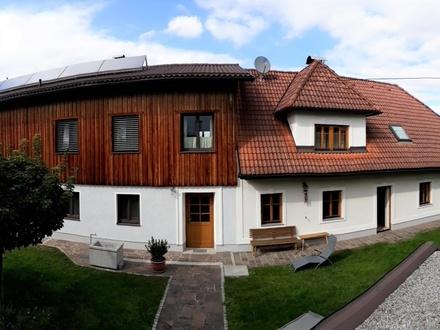 Familienwohnhaus auf großem Grundstück