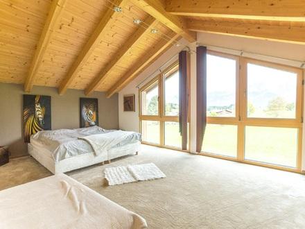 Massivholzhaus in angenehmer und gesuchter Wohnumgebung von Maishofen.