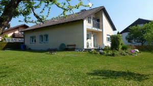 Gepflegtes Wohnhaus mit Blick ins Grüne in Ruderting