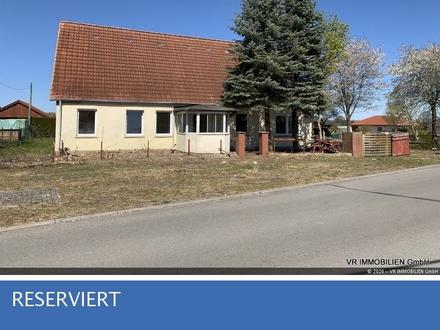 Sonniges Grundstück mit Altimmobilie in ruhiger Wohnlage von Plate