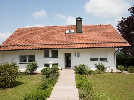 Ruhig & Zentral: Großzügiges Einfamilienhaus in Haidenhof-Nord befristet zu vermieten