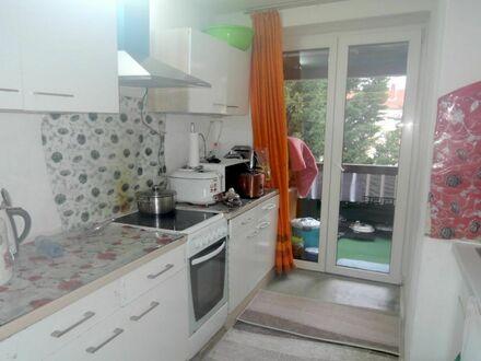3 Zimmer 6 3 qm + SONNEN- BALKON inkl. EINBAUKÜCHE + modernes BAD + GARAGE in ruhiger Wohnlage