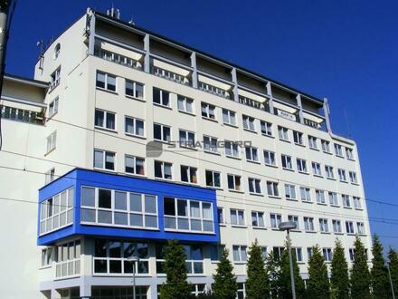 Haltestelle vor der Tür - hauseigene Tiefgarage - moderne Bürostandards - preisgünstig