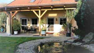 Vielseitig nutzbar: Zeitgemäßes Wohnhaus mit gewerblichem Nebengebäude