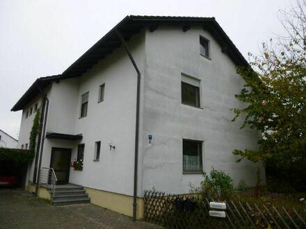 Leerstehendes Zweifamilienhaus in Altdorf / Landshut
