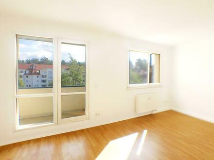 Schöne 4 Zimmer Wohnung zu vermieten! *Gutschein geschenkt!*