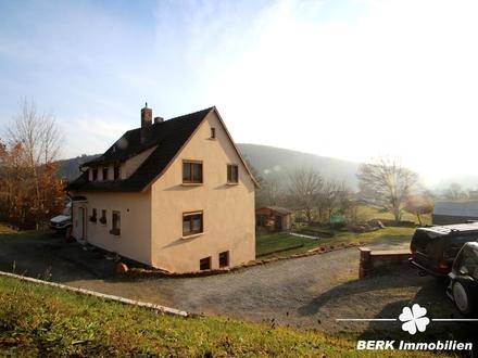BERK Immobilien - Saniertes Einfamilienhaus mit tollem Grundstück