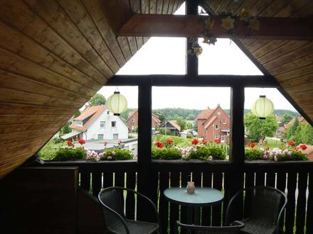 Wohntraum im Dachgeschoß nebst Gartengrundstück