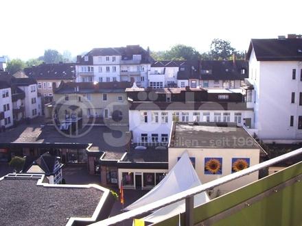 Mittendrin im Zentrum - Tolle Stadtwohnung mit 3 Balkonen