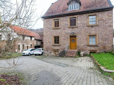 +++ Schönes ehemaliges Bauernanwesen mit Nebengebäuden und Einliegerwohnung +++