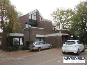 Ofenerdiek - Ofenerdieker Straße: große 4-Zimmer-Maisonette-Wohnung mit Dachterrassen