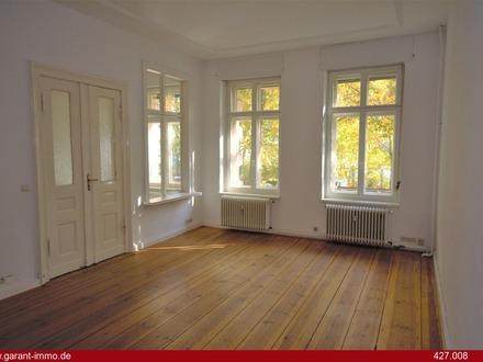 Ruhige, schöne Hochparterre-Altbauwohnung mit alten Dielen und hohen Decken in Kreuzberger Bestlage