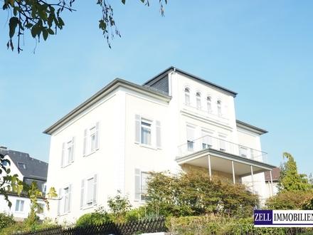 Seltene Gelegenheit! Tolle Villa in guter Lage von Rüdesheim, ideal zum Wohnen und Arbeiten.
