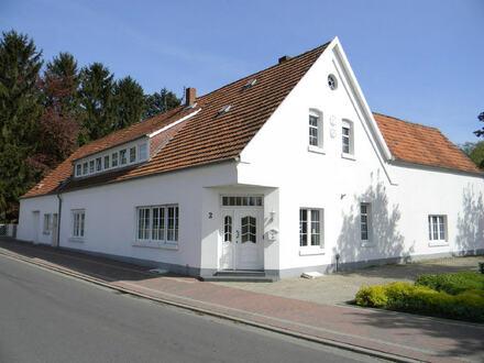Grosszügiges Einfamilienhaus mit Einliegerwohnung